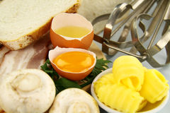 sprucket ägg fotografering för bildbyråer