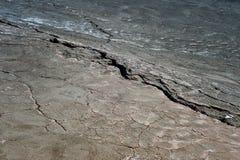 sprucket torka jord Begreppet av global uppvärmning royaltyfria foton