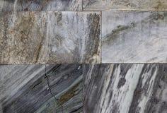 Spruckna marmortegelplattor, marmorvägg kan använda för bakgrund Royaltyfria Bilder