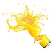 Spruzzando succo d'arancia con le arance Immagine Stock Libera da Diritti