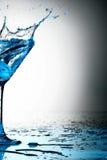 Spruzzata blu del coctail Fotografie Stock Libere da Diritti