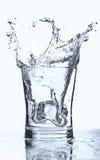 Spruzzata del cubo di ghiaccio Immagini Stock Libere da Diritti