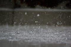 Spruzzata della goccia di pioggia Immagine Stock Libera da Diritti