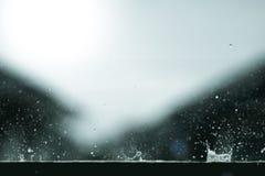 Spruzzata di forma dell'acqua della gocciolina di pioggia Fotografia Stock Libera da Diritti