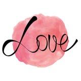 Spruzzata rotonda di rosa rosa dell'acquerello con la parola di amore Fotografia Stock