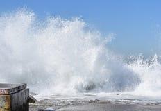 Spruzzatura delle onde Immagine Stock Libera da Diritti
