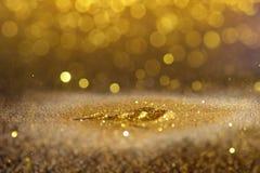 Spruzzi la polvere di oro di scintillio Immagini Stock Libere da Diritti
