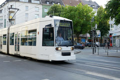 Spårvagn i Dusseldorf, Tyskland Arkivbilder