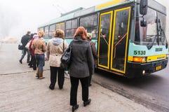 Spårvagnbuss i Bucharest Royaltyfria Bilder