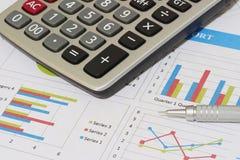 Sprzedaże i pieniężny biznesowy raport Zdjęcia Stock