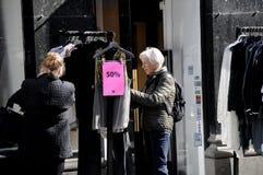 50% sprzedaż DLA tkaniny W KOPENHAGA DANI Zdjęcie Stock