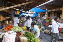 Sprzedaże owoc i warzywo na hindusa rynku Obraz Royalty Free