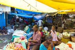 Sprzedaże owoc i warzywo na hindusa rynku Obrazy Stock