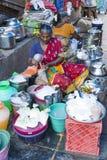 Sprzedaże owoc i warzywo na hindusa rynku Obraz Stock