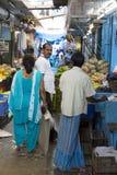 Sprzedaże owoc i warzywo na hindusa rynku Zdjęcia Stock