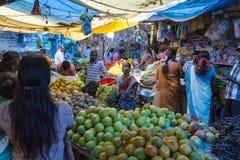 Sprzedaże owoc i warzywo na hindusa rynku Zdjęcie Stock
