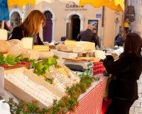 Sprzedaż Francuski ser Obrazy Royalty Free