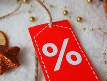 Sprzedaży etykietka na świątecznym tle zdjęcie royalty free