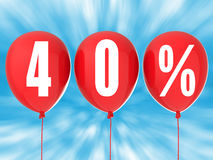 40% sprzedaży znak na czerwonych balonach Fotografia Royalty Free