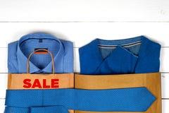 Sprzedaż z butami i koszula Obrazy Stock