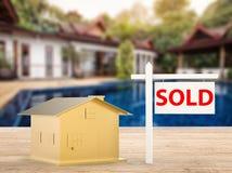 Sprzedający domu znak Fotografia Royalty Free