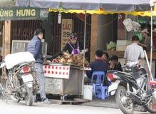 Sprzedawania i kupienia psi mięso w Wietnam Zdjęcia Royalty Free