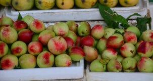 Sprzedawanie owoc przy rynkiem w Mocy Chau Fotografia Royalty Free