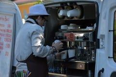 Sprzedawca uliczny kawa Obraz Stock