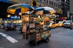 Sprzedawcy sprzedawania ulicy mięso obraz royalty free