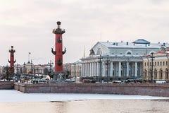 Spucken von Vasilievsky-Insel im Winter in St Petersburg an der Dämmerung Lizenzfreie Stockbilder