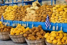 Spugne greche del mare da vendere Fotografia Stock Libera da Diritti