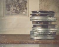 Spulen des Filmes liegen im Regal Lizenzfreies Stockbild