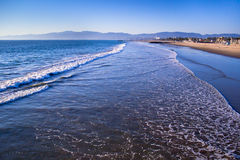 Spuma alla spiaggia di Venezia, California Fotografia Stock