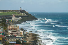Spuma di schianto alla fortezza di EL Morro, San Juan, Porto Rico Fotografie Stock Libere da Diritti