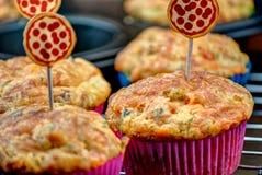 Spuntino casalingo del muffin della pizza Fotografia Stock