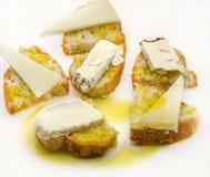 Spuntino del formaggio di capra e del pane Immagine Stock