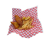 Spuntino di pesce e patate fritte. Isolato. Immagini Stock Libere da Diritti
