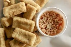 Spuntino e dessert, Fried Tofu profondo tradizionale cinese o Fried Bean Curd Fotografia Stock