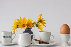 Spuntino e uovo sodo del caffè fotografia stock