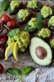 Spuntino fresco dell'avocado immagine stock