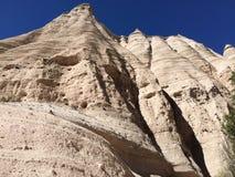Spur durch Kasha-Katuwezelt schaukelt Nationaldenkmal Lizenzfreie Stockbilder