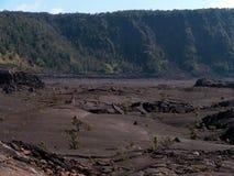 Spur innerhalb des Kraters stockfotografie