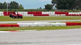Spuren für das Laufen von karts stock video footage