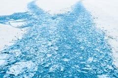Spuren vom Eisbrecher, gebrochenes Eis in der Arktis im Winter Lizenzfreie Stockfotografie