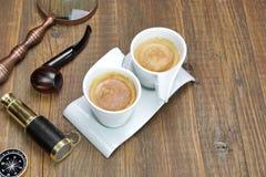 Spyglass, Powiększa - szkło, kompas, dymienie drymba Coffe i Dwa, Fotografia Royalty Free