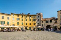Sqauare de Anfiteatro em Lucca Fotografia de Stock Royalty Free