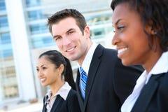Squadra attraente varia di affari Immagine Stock