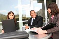 Squadra di affari all'ufficio Immagini Stock