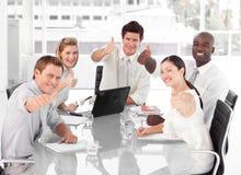 Squadra di affari che celebra successo Fotografia Stock