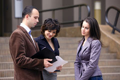 squadra di conversazione del cliente di affari Immagini Stock